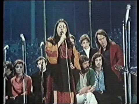 Theodorakis Farantouri To Yelasto Pedi 1974